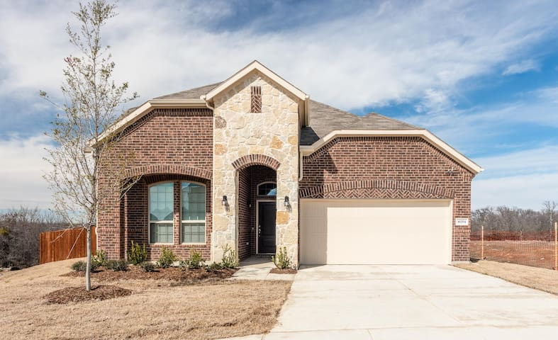 Beautiful house with view of Lake Lewisville lake