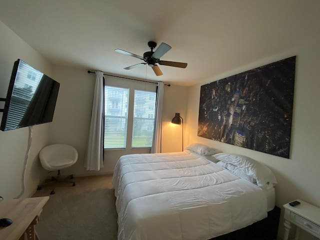 Baldwin Park Luxury Apartment
