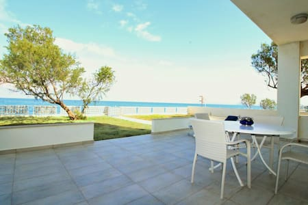 Villa Irene by the sea - Chania - Kolymvari - Βίλα