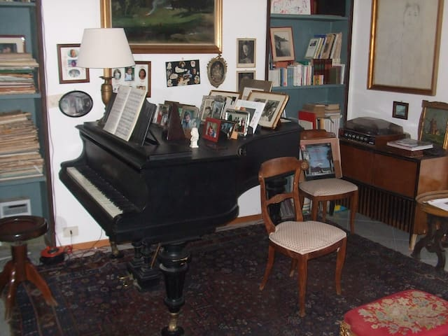 House of the pianos and things - Rocchetta Tanaro