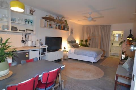 Long Island Beachside Studio Apartment