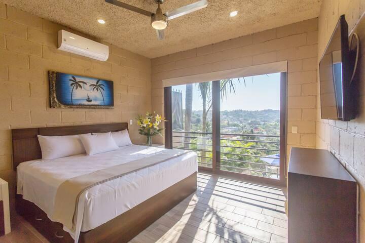 ❤️ Oceanview  2-Bedroom Condo & Private Balcony ❤️