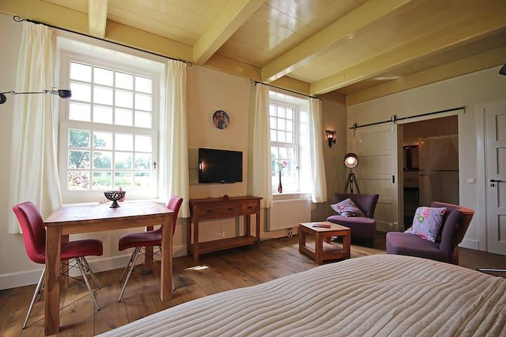 Kamer Op d'Heide, B&B Lhee, met zwembad en sauna