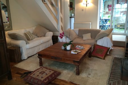 Cosy village cottage with log fire - South Harting - Casa