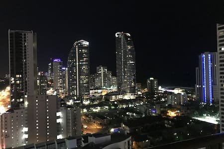 Luxury 3 brm apartment in the heart of Broadbeach