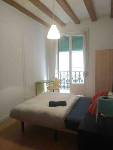 Double room 5' to Las Ramblas