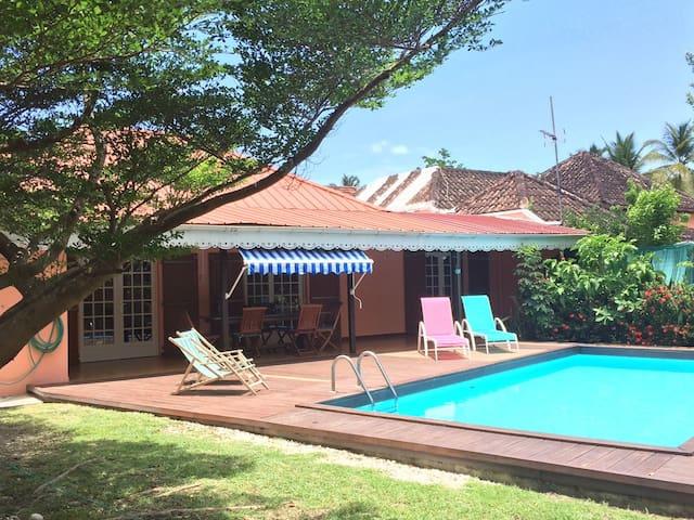 Détente villa confort  wi fi  200 m plage Caraibes