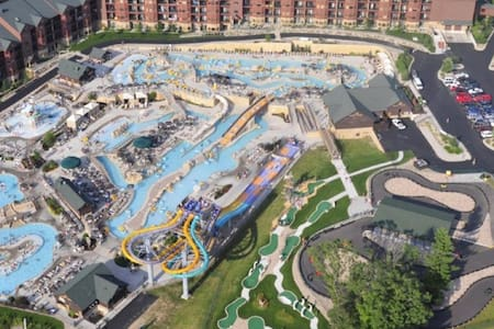 Water Park Capital Of The World! 2Bed/2Bath Condo