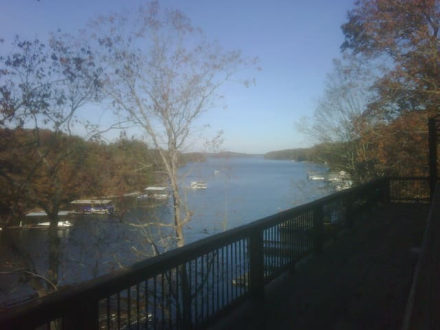Lake Lanier corporate retreat G room - Gainesville - House