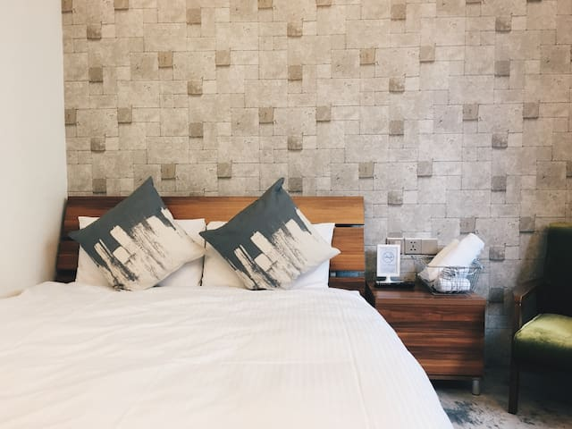6 mins MRT Standard Double Room A - Datong District - Apartment