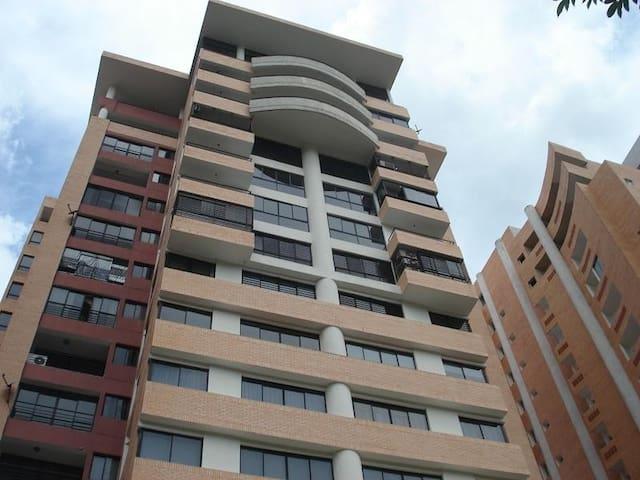 Apartamento Moderno, Merlot Suites, zona segura.