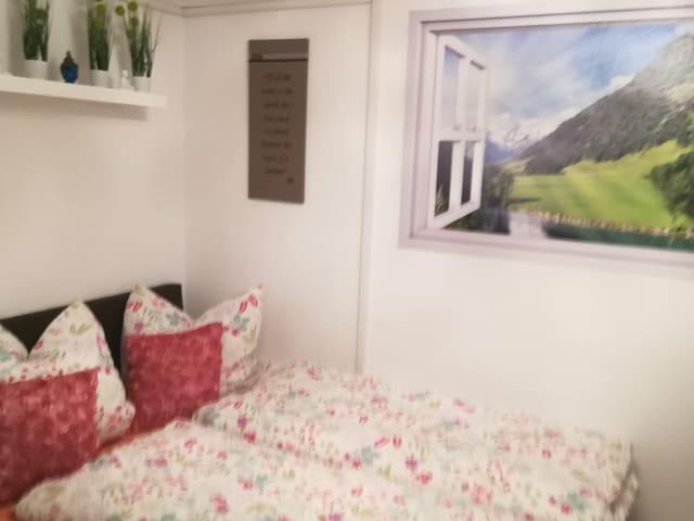 Gemütliches Apartment-Studio mit Bad im Keller