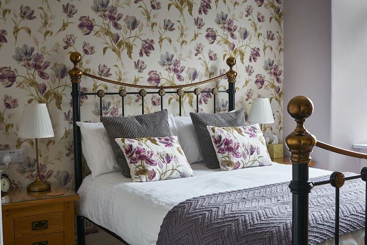Lake District Guest House Room 2