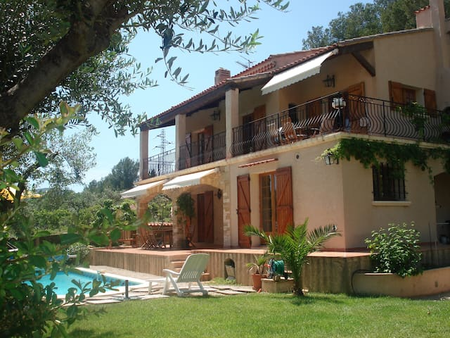 Appartement RdC de villa provençale - La Ciotat - House