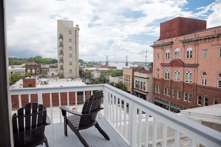 Penthouse Plus-Views of Cape Fear River-Sleeps 13
