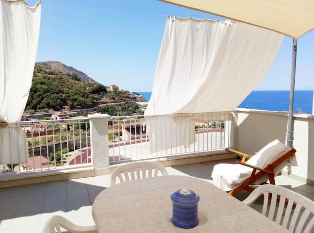 """""""CasaGioiosa"""" - relax al mare e cultura in Sicilia"""