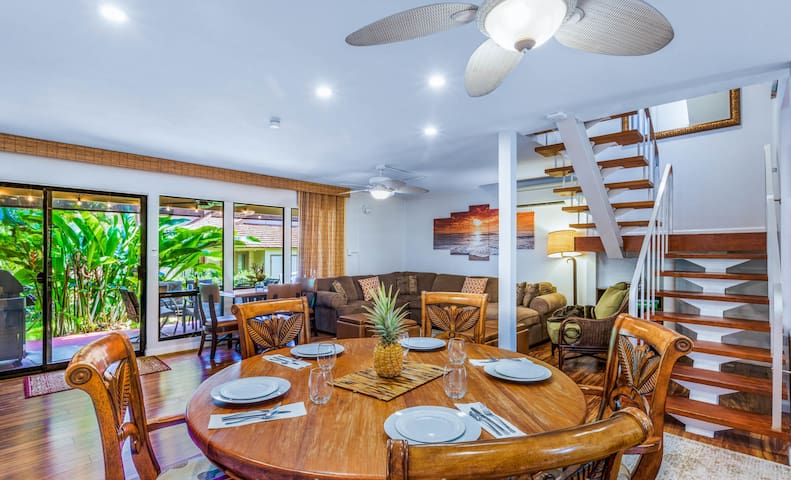 4bd Townhome. Oceanfront community. Lahaina.