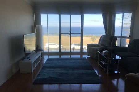 Room in an apartment right on the Ocean