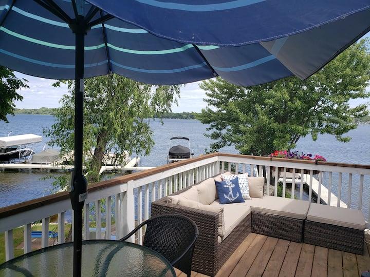 Romantic Lakeside Loft.