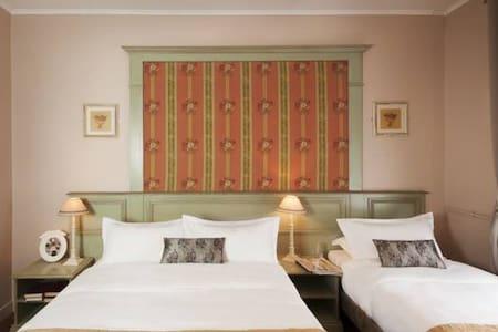 Chambre Triple - Hotel de Bellevue Gare du Nord*** - París