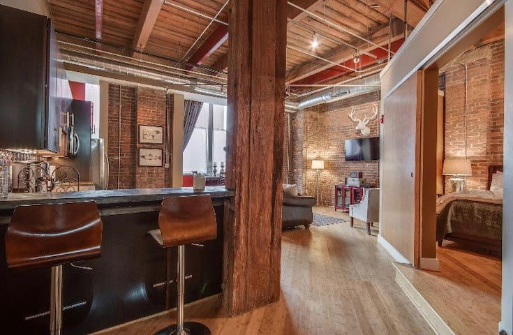 1820's Loft Oozing Charm Steps From Broadway!