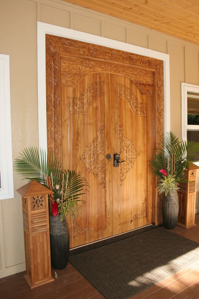 Front Door Entrance to Cottage.