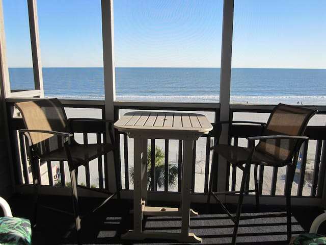 Direct Oceanfront 3 Bedroom, 2.5 Bathroom Condo!!!