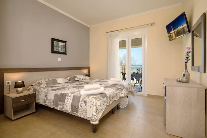 Morfeas Zante Apartments