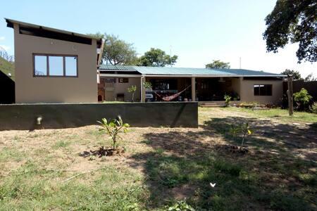 Green&Cozy Home in Katembe