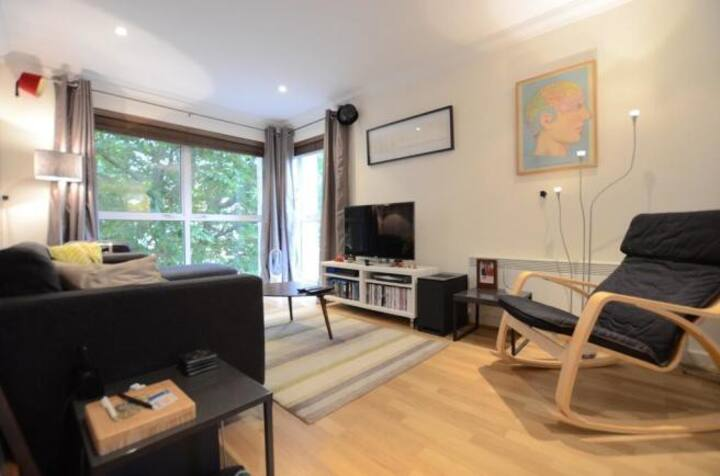 1 bedroom apartment in Dulwich Village