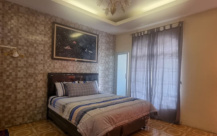 """Master Bed Room 1. With balkon, bathroom & TV 32"""". Direct acces to the pool"""