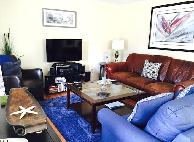 Hot Tub/Fire Pit/Great Location - Seaside - Huis
