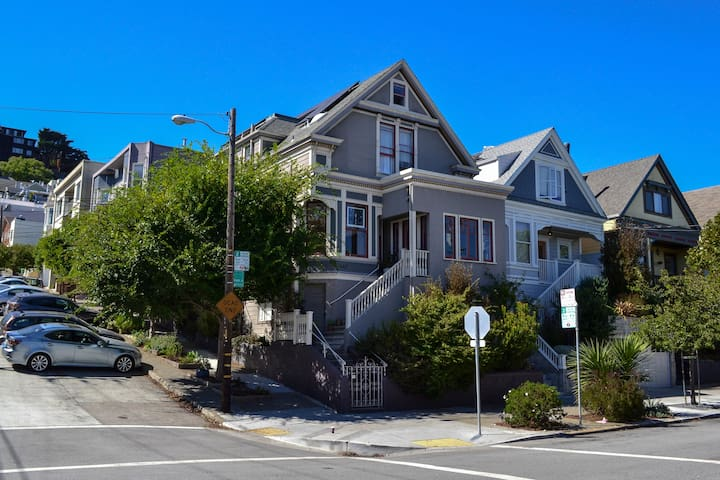 San Francisco Sunny Corner Victorian