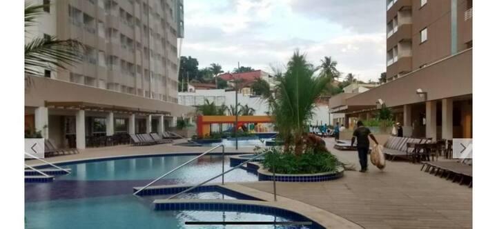 Amplo apartamento no Olímpia Park Resort
