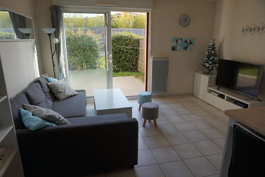 Beau t2 avec jardin proche nantes apartments for rent in for Beau jardin apartment