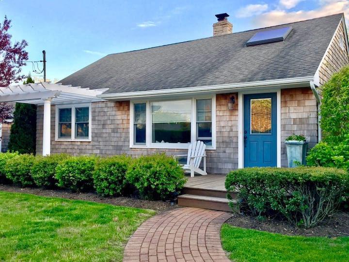 Charming Haven in Waterfront Community