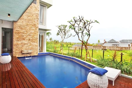2 BR RELAXING VILLA IN CANGGU - North Kuta