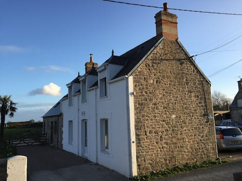 Holiday cottage by the coast