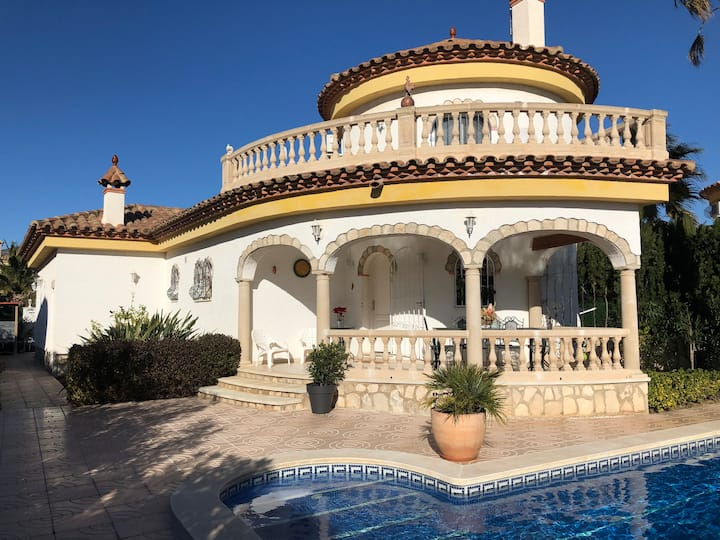 Villa 3 chambres avec Piscine privée proche plage