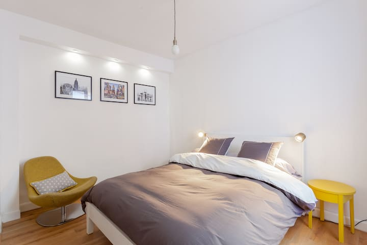 """Chambre d'hôte """"New York"""" - Montrouge - Bed & Breakfast"""