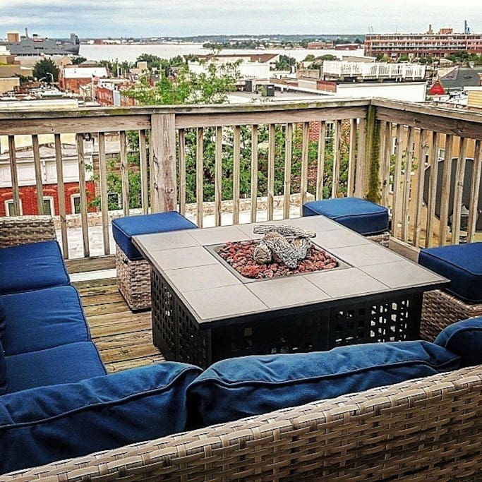 canton rowhome with amazing view with parking casas para alugar em baltimore maryland. Black Bedroom Furniture Sets. Home Design Ideas