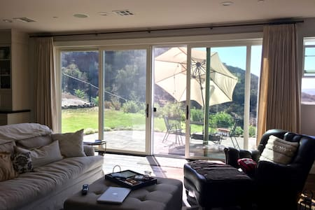 2 bedrooms in Brand New Home near Malibu - Haus