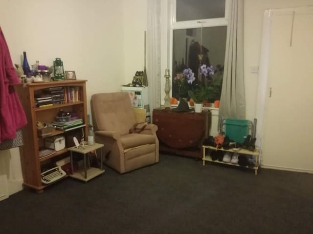 Cosy flat in Leven 5 mins from town