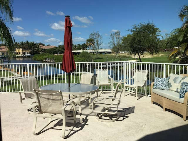 Paradise on the Water- Jupiter/Tequesta