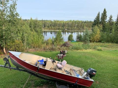 Cluculz lake home 15 mins from Vanderhoof