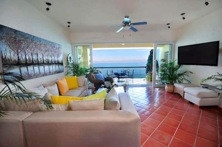 Puerto Vallarta, beach front luxury  condo!