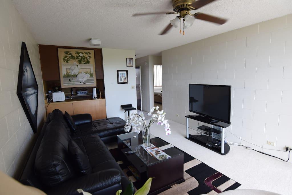Clean Affordable 1 Bedroom In A 2 Bedroom Apt