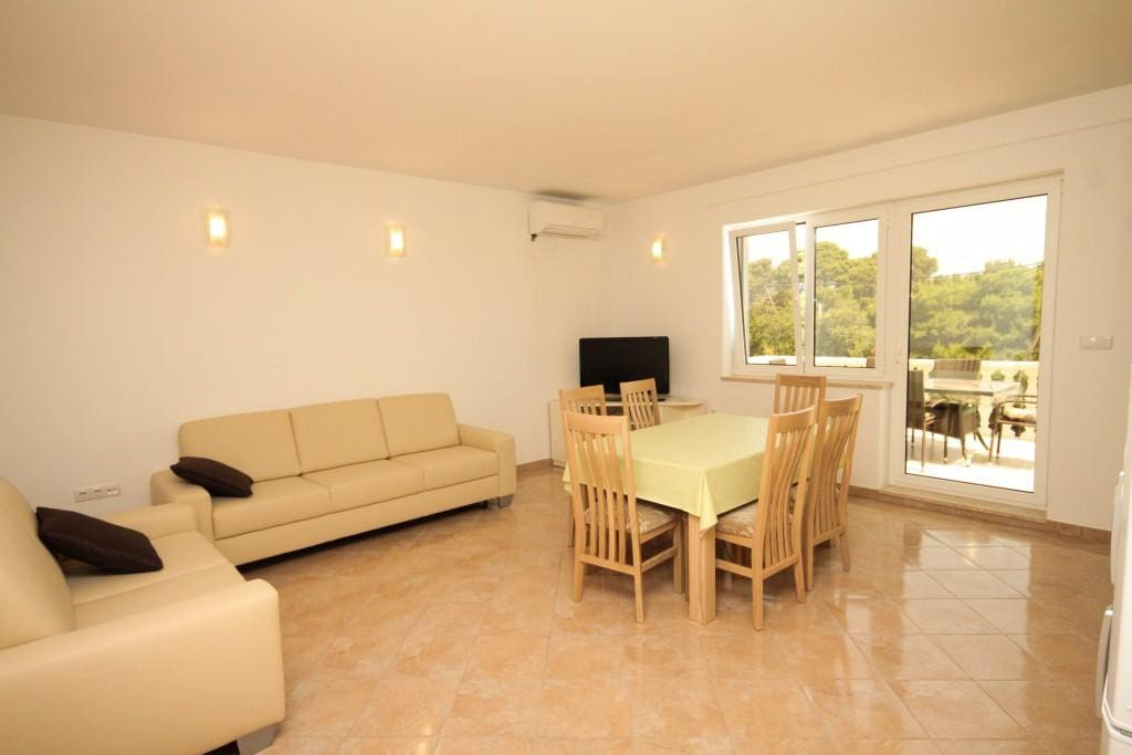 Dining room, Surface: 25 m²