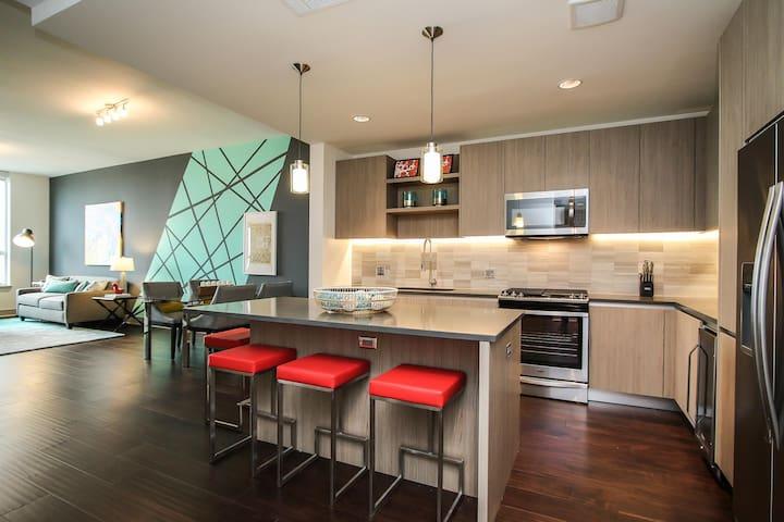 #3 Biz-Ready Suite by LYRIC Near Mid/Downtown 1BD/1BA