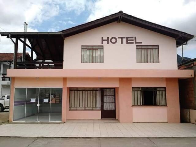 Hotel Lurian